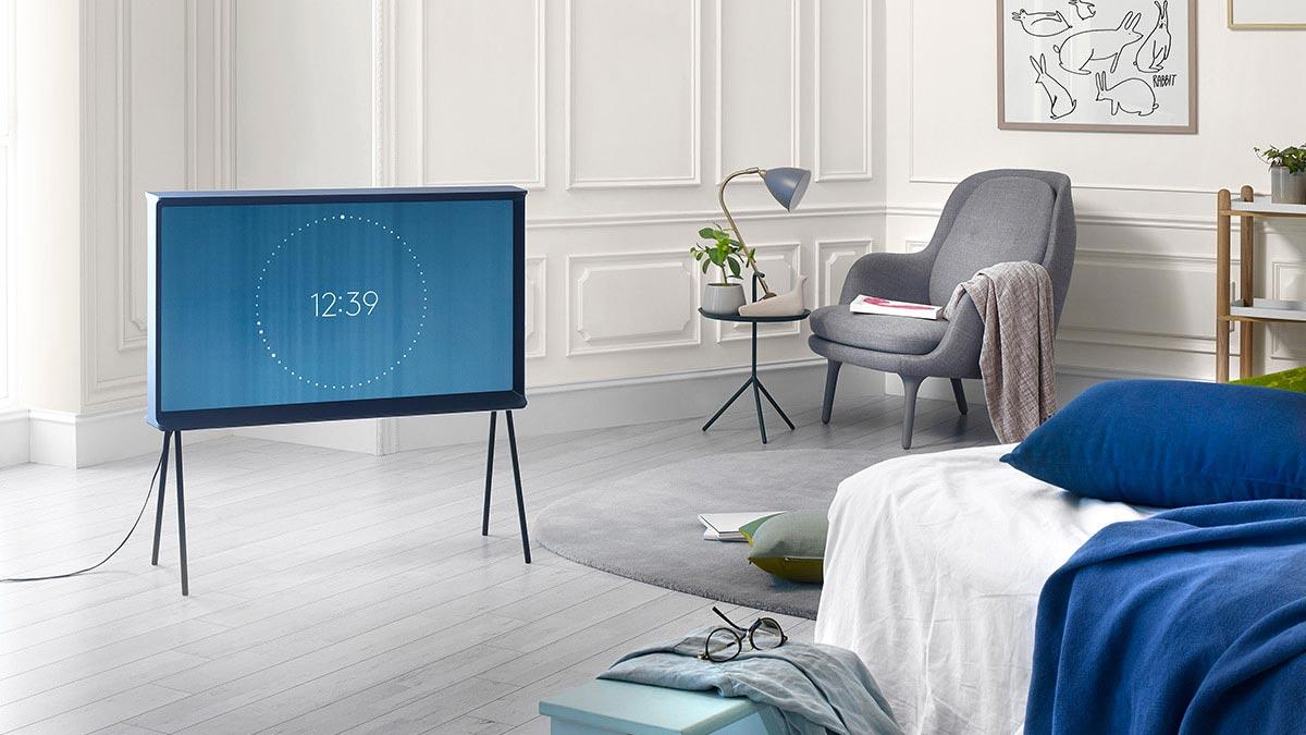serif tv samsung ein freistehender fernseher mit stil vack design berlin. Black Bedroom Furniture Sets. Home Design Ideas